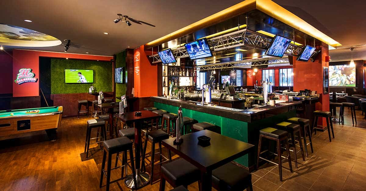 The Huddle Sports Bar and Grill at Citymax Hotel Al Barsha At The Mall